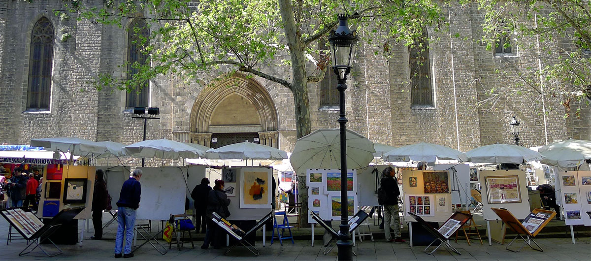 уличная галерея на площади святого Джозефа Ориола