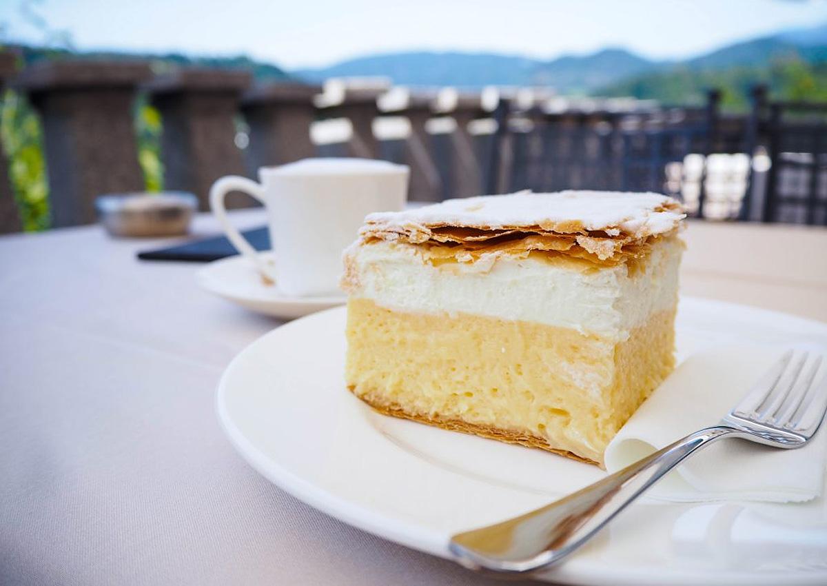 кремшнита (Bled Cream Cake)