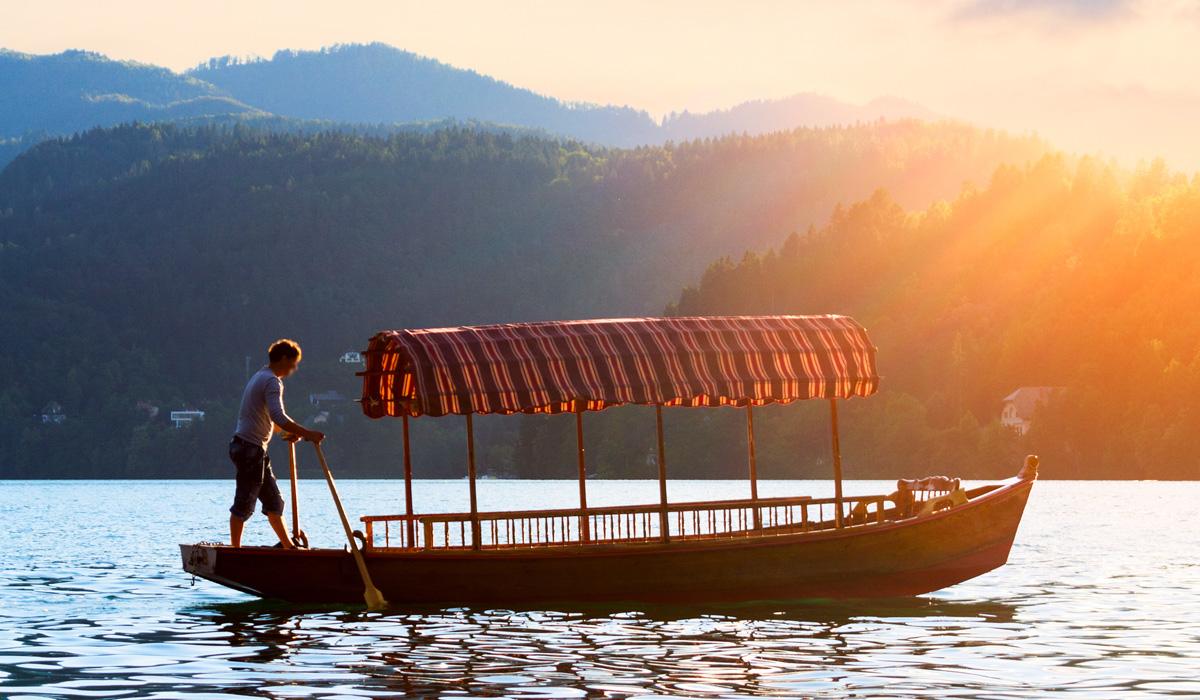 плетна на озере Блед